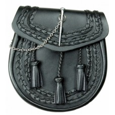 Black leather sporran Front pin loop closure,